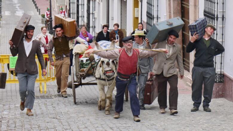Karnevalsgruppe mit Esel in Olvera