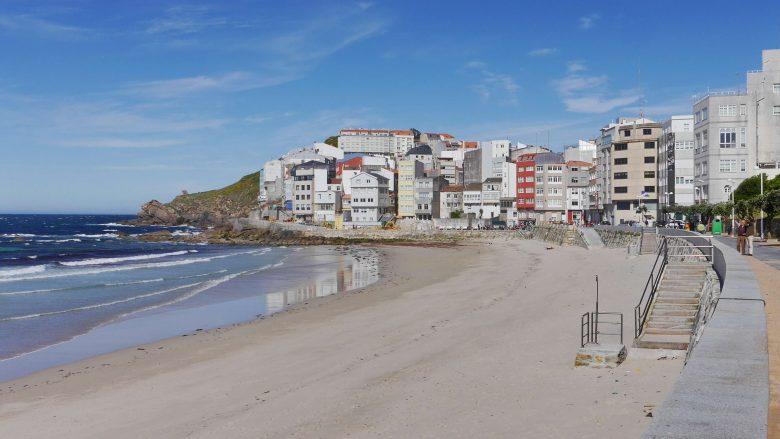 Der Strand Praia Area Maior von Malpica de Bergantiños