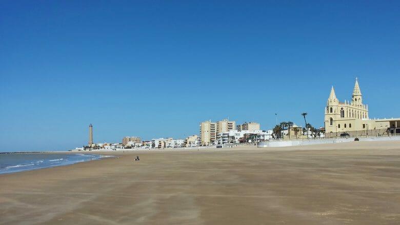 Strand von Chipiona im März
