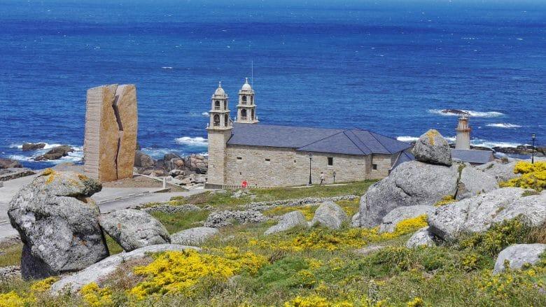 Die Wallfahrtskirche A Virxe da Barca in Muxía