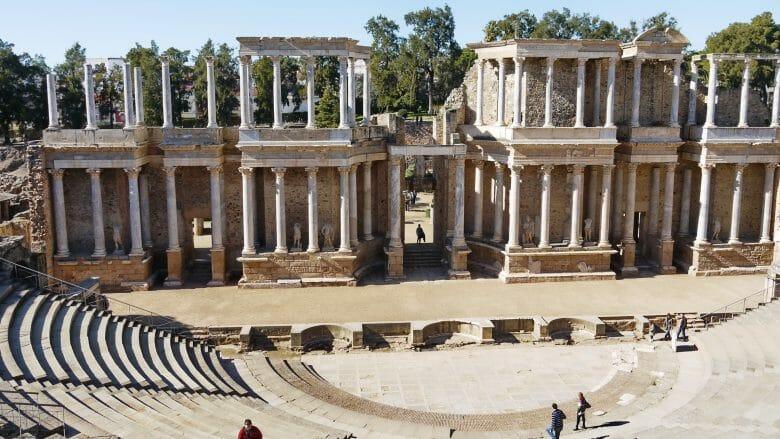 Die Bühne des römischen Theaters (Teatro Romano) in Mérida