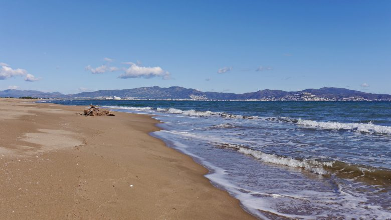 Costa Brava bei Sant Pere Pescador mit Blick auf den Golf von Roses