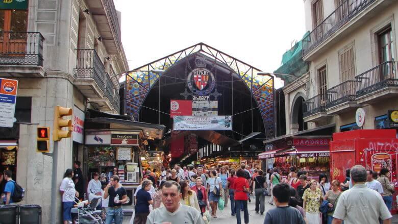 Berühmte Markthalle an der Rambla de Sant Josep in Barcelona