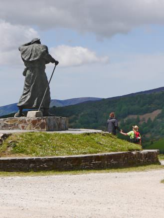 Pilger-Denkmal am Pass Alto do Poio bei O Cebreiro