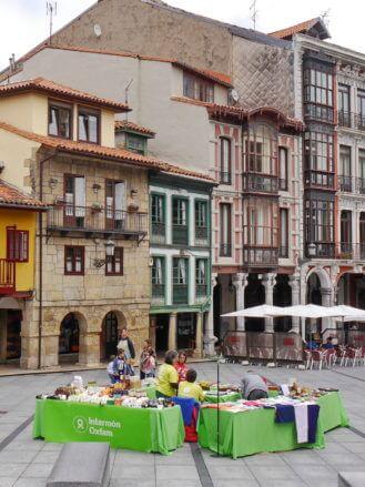 Ein Platz in der Innenstadt von Avilés