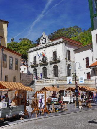 Plaza de la Marina mit dem Rathaus