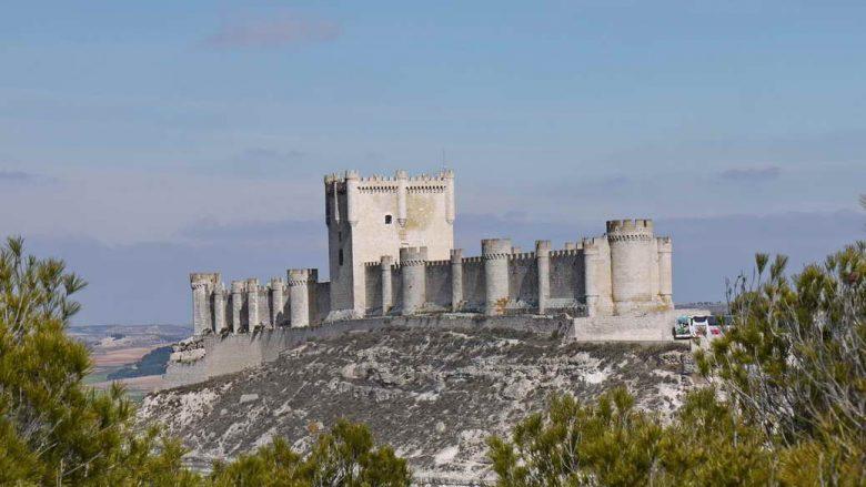 Blick auf das Castillo de Peñafiel vom Pico de Santa María