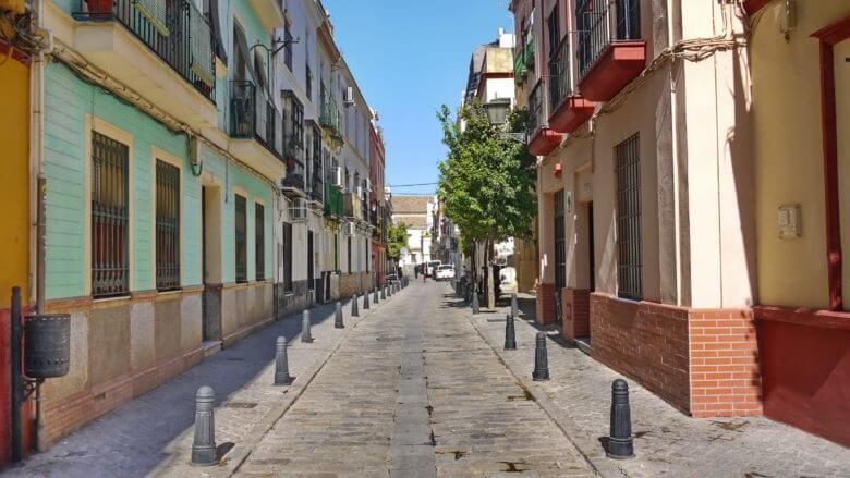 Die Calle Feria, die Marktgasse in der Altstadt von Sevilla