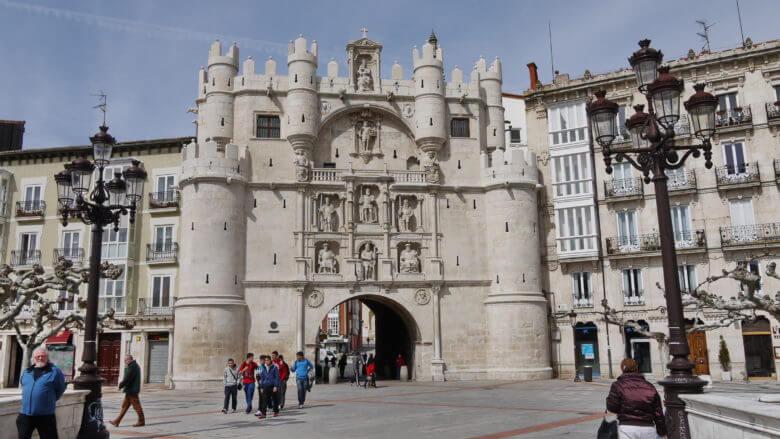Das Stadttor Arco de Santa Maria ist ein Wahrzeichen von Burgos
