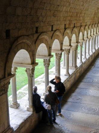 Im Kreuzgang der Kathedrale von Girona