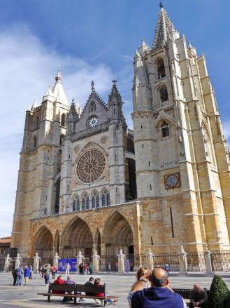 Die Kirchtürme der Kathedrale von León