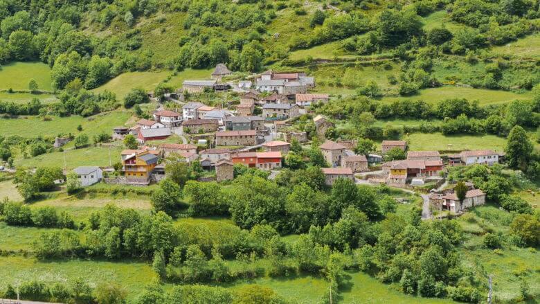 Das Dorf El Coto im Valle del Lago