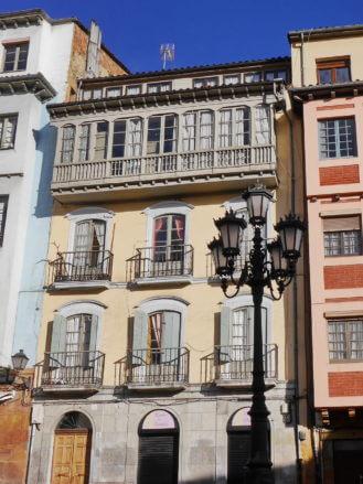 Häuser in der Altstadt von Oviedo