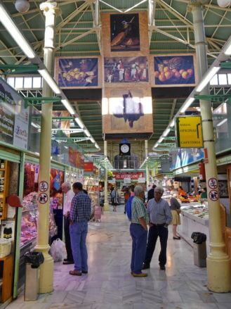 In der Markthalle Mercado del Fontán