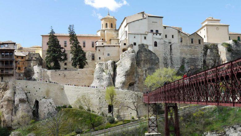 Altstadt von Cuenca mit der Brücke San Pablo