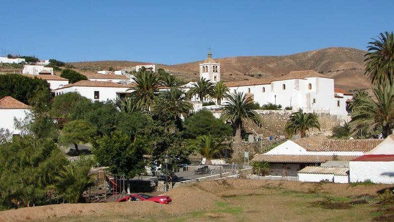 Die ehemalige Inselhauptstadt mit der Kirche Santa Maria de Betancuria