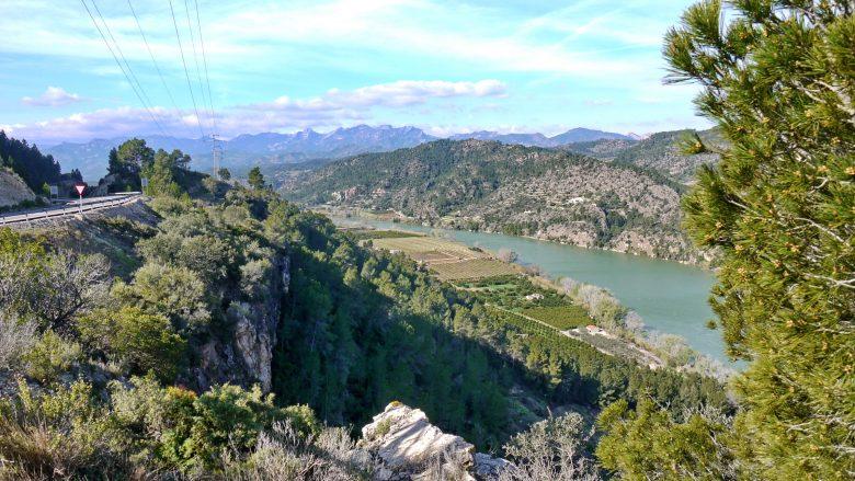 Blick auf das Tal des Ebros bei Rasquera