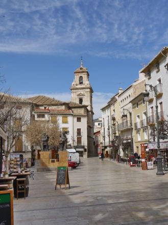 Plaza del Arco und die Pfarrkirche El Salvador