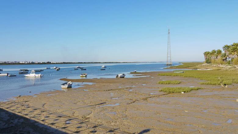 Am Ufer des Flusses Tinto
