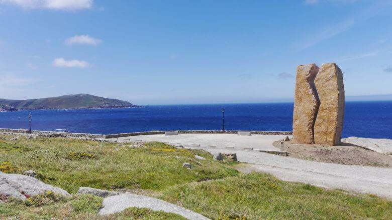 Das Denkmal A Ferida erinnert an die Ölpest verursacht durch den Tanker Prestige