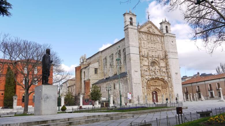 Fassade im Stil der Renaissance der Kirche San Pablo in Valladolid