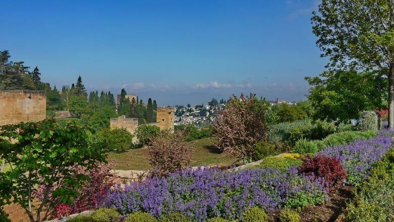 Im Garten des Sommerpalastes Generalife in Granada