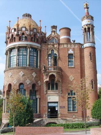 Das modernistische Krankenhaus in Barcelona zählt zum UNESCO Weltkulturerbe