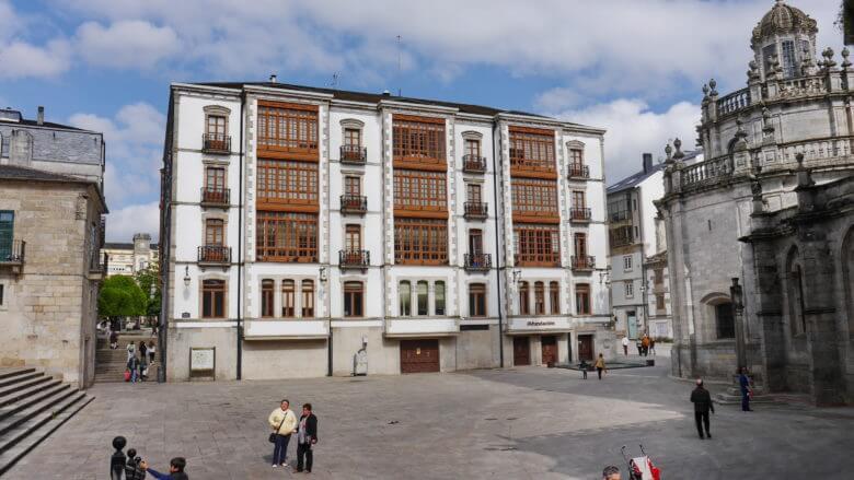 Typisch galicischer Baustil in der Stadt Lugo