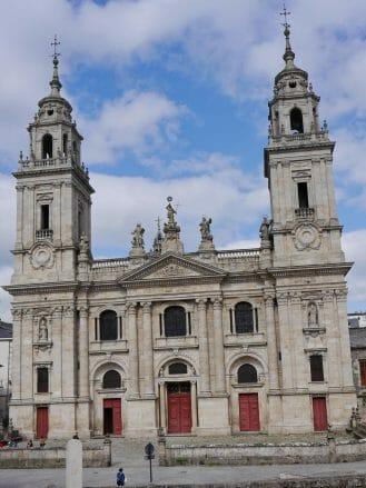 Die Kathedrale Catedral de Santa María de Lugo