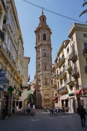 Turm der Kirche Santa Catalina in der Altstadt