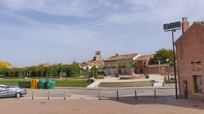 Plaza de Tuy mit der Kirche Santa María del Castillo im Hintergrund