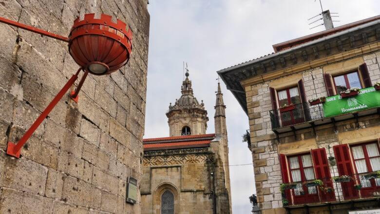 In der Altstadt von Hondarribia