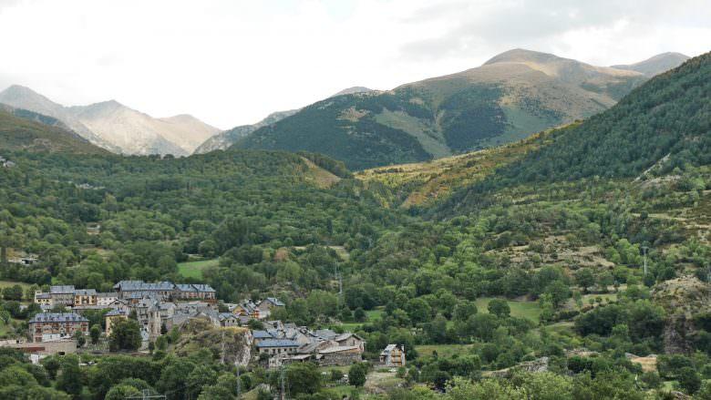 Blick von Erill la Val auf das Dorf Boí