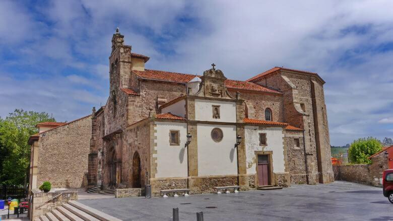 Die Kirche Iglesia de los Padres Franciscanos in Avilés