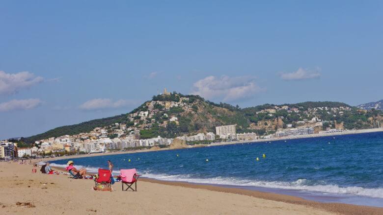 Am Strand von Blanes an der Costa Brava