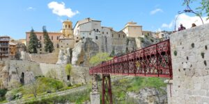 Die sehenswerte Stadt Cuenca zählt zu den Zielen für eine Städtereise in Kastilien-La Mancha