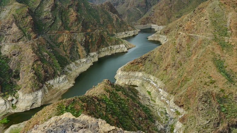 Der Stausee Presa del Parralillo im Nordwesten von Gran Canaria