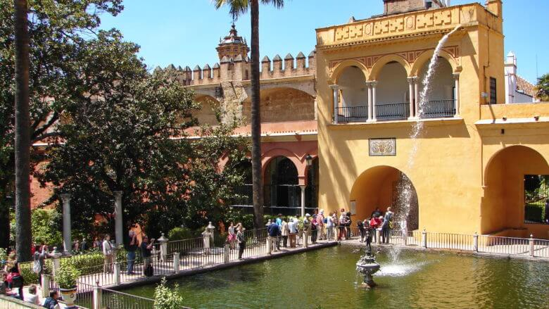Sevilla im Frühling: In dem Garten des Palastes Reales Alcázares