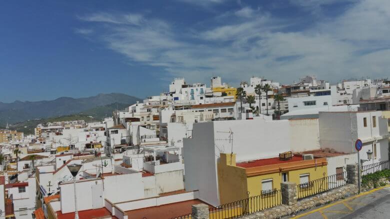 Weiße Häuser in der Altstadt von Almuñécar