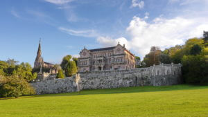 Der neogotische Palast Sobrellano in Comillas (Kantabrien)