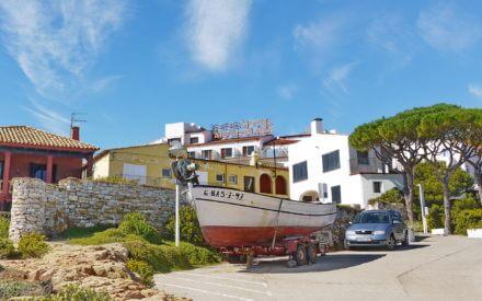 Die Costa Brava in Katalonien zählt zu den schönsten Mittelmeerküste und ist ideal für einen Sommerurlaub