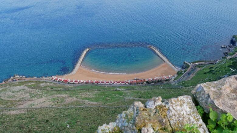 Die Bucht Sandy Bay an der Ostküste von Gibraltar