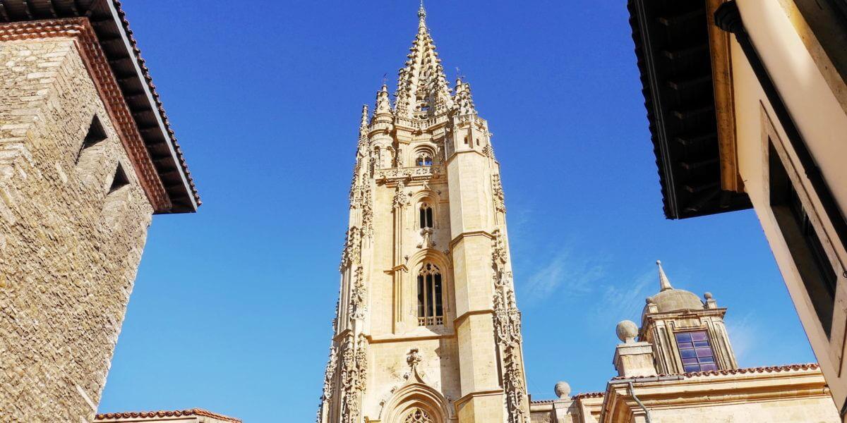 Städtereise nach Oviedo: Reisetipps, Sehenswürdigkeiten und Attraktionen im Reiseführer