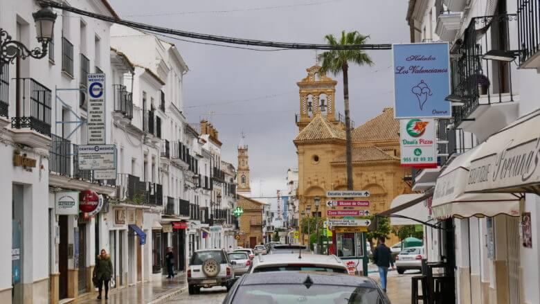 Blick in die Calle Carrera, die Hauptstraße von Osuna