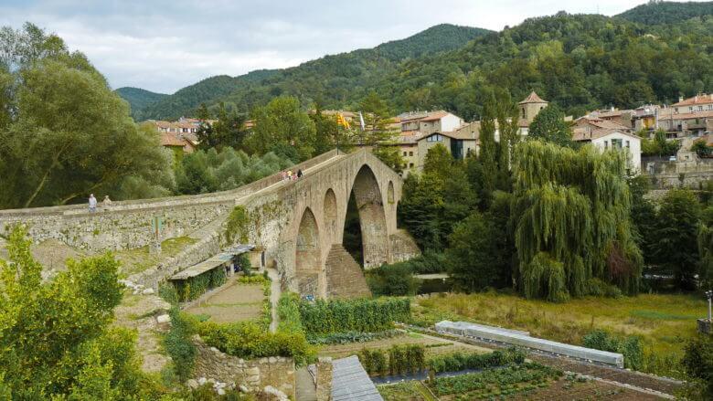 Die Brücke Pont Vell in Sant Joan de les Abadesses