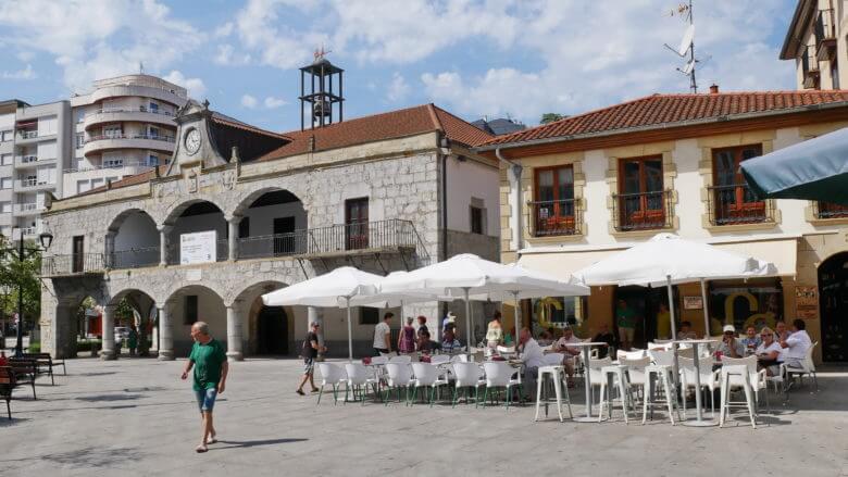 Die Plaza de la Constitución mit dem alten Rathaus