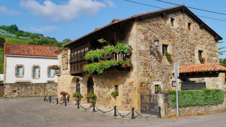 Kleiner Palast in dem Viertel Rubalcaba