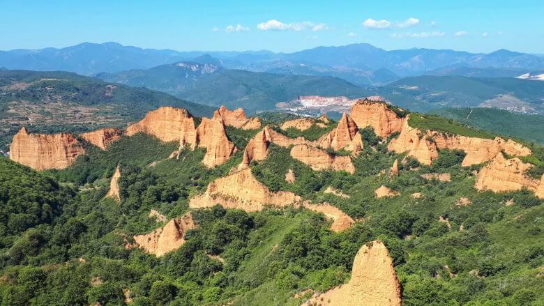 Die ehemaligen römischen Goldminen Las Médulas bei Ponferrada zählen zum Weltkulturerbe der UNESCO