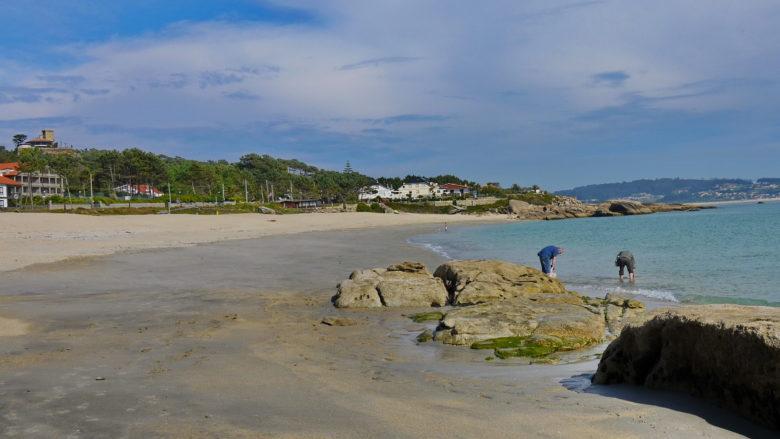 Playa Raeiros auf der Insel O Grove
