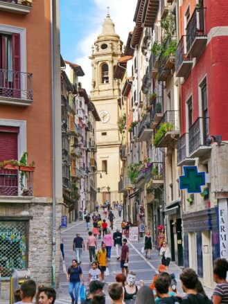 Calle Curia mit Kathedrale